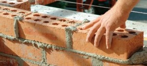 Murovacie zmesi pre hrubú stavbu z tehál, tehloblokov a tvárnic. Omietky pre jadrové a štukové omietanie, sádrové stierky na sádrokartón. Výborná cena, dovoz